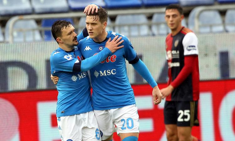 Napoli, Zielinski prima positivo e poi negativo: ansia Covid per il polacco. Negativi ai tamponi odierni gli italiani