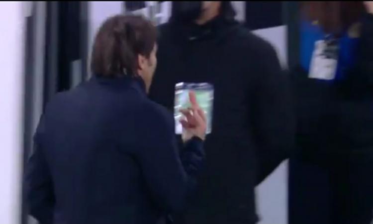 Agnelli e Conte, la ricostruzione dei fatti: tutti i retroscena di Juve-Inter, spuntano le immagini del dito di Conte al 45'!