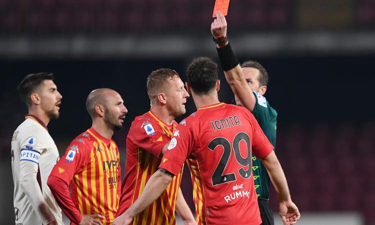 Serie A, rivivi la MOVIOLA: rosso a Gasperini per proteste. Espulso Glik, Fazio rischia. Il Var toglie un rigore alla Roma