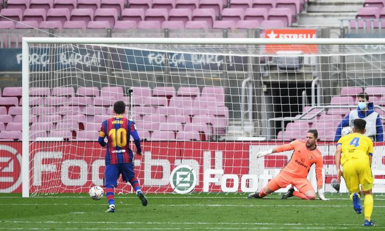 Liga: Barcellona raggiunto all'89' su rigore, poker Real Sociedad