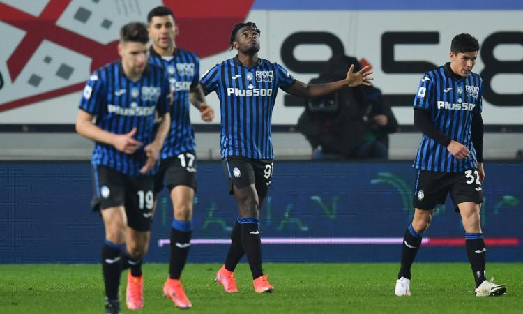 Atalanta inarrestabile: 4-2 al Napoli con Muriel show. De Laurentiis impone il silenzio stampa