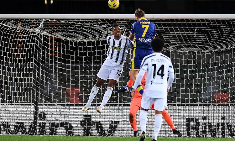 La Juve si ferma anche a Verona: Barak risponde a Ronaldo. Pirlo a -7 dall'Inter e -3 dal Milan