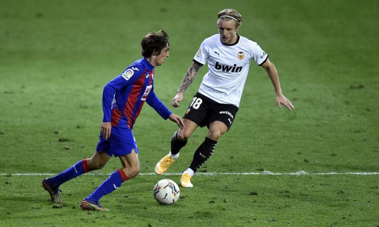 Non solo il Milan su un talento del Siviglia