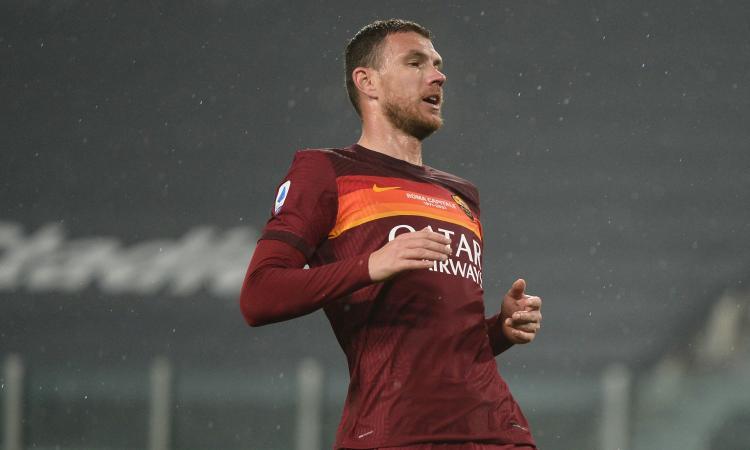 Roma, si ferma Dzeko per un problema muscolare: a rischio la gara col Milan