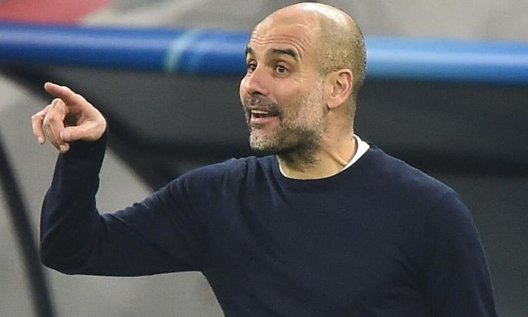 Man City, Guardiola saluta un difensore: 'Giocherà al Barcellona'