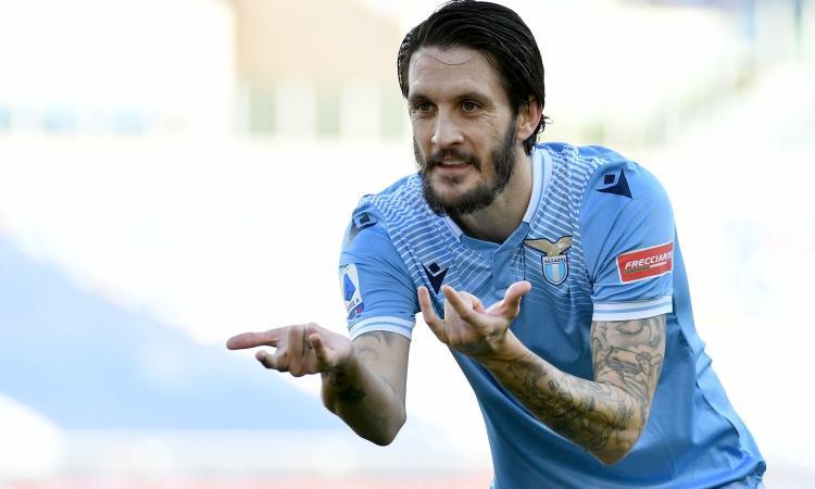 La Lazio batte la Samp, scavalca la Juve e raggiunge la Roma: decide Luis Alberto