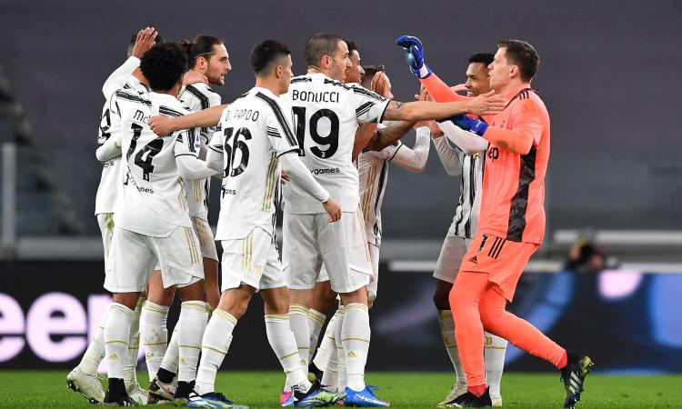 Pirlo stupisce, ma poi ha ragione: una bella Juve piega la Lazio, avvisa l'Inter e mette nel mirino il Porto