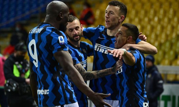 Doppio Sanchez, l'Inter batte 2-1 il Parma e vola a +6 sul Milan
