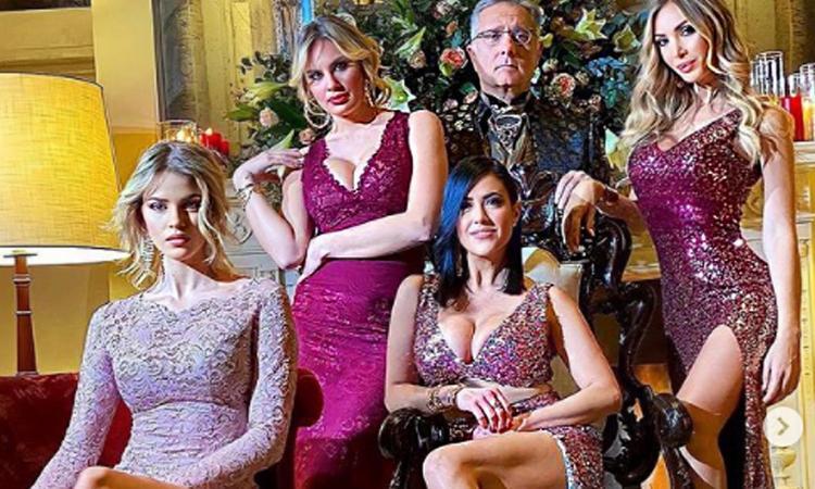 Riecco Avanti un altro! Bonolis beato fra le donne: Laura, Francesca, Claudia e Sara FOTO