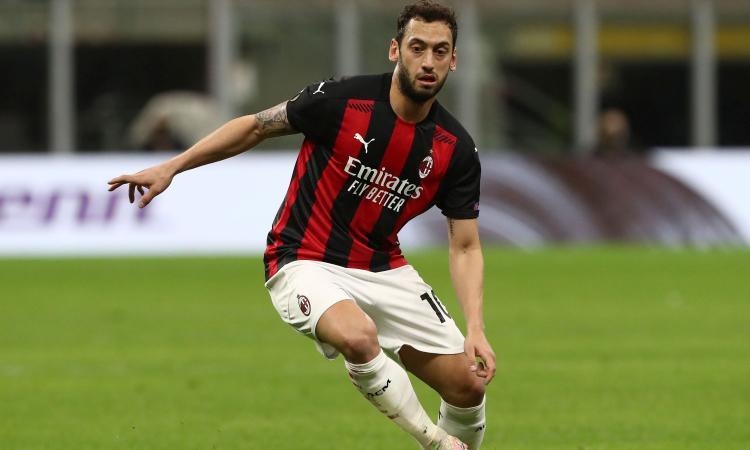 Calciomercato Milan, dall'Inghilterra: anche l'Arsenal su Calhanoglu