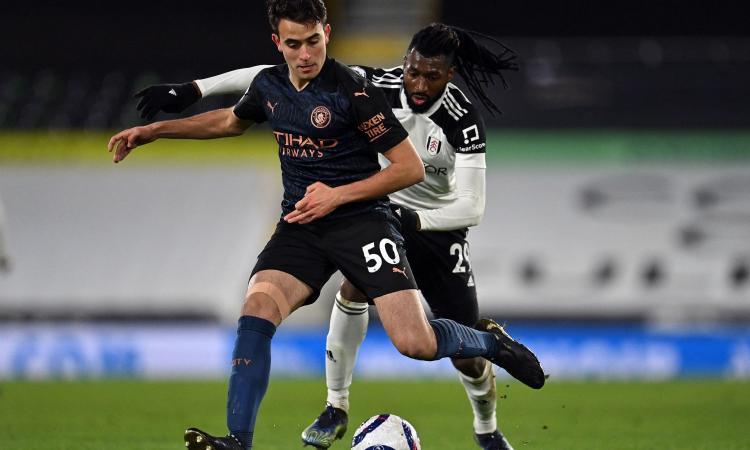 Calciomercato Napoli: piace un centrocampista del Fulham
