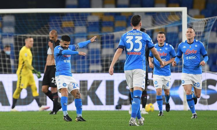 Doppio Insigne e il ritorno di Osimhen: il Napoli vince 3-1 col Bologna e torna in lotta per la Champions