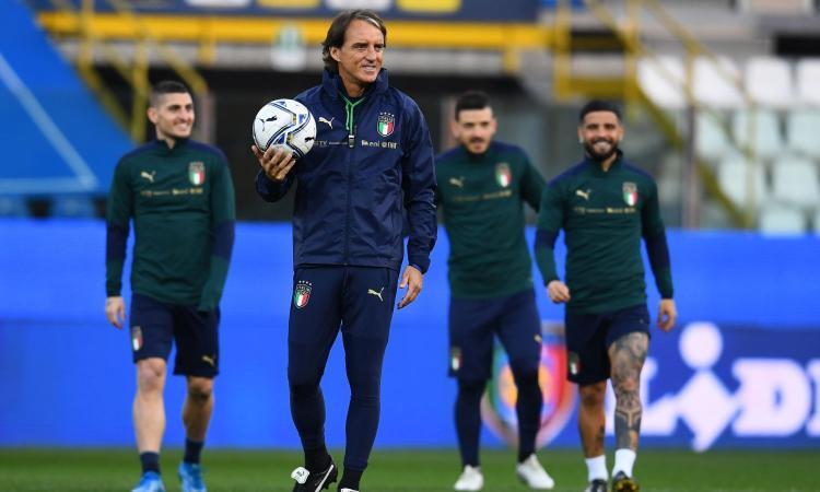 Italia, UFFICIALE il rinnovo di Mancini: sarà ct fino al 2026. Le parole: 'Proveremo a vincere'