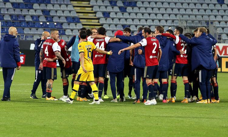 Il Parma affonda come il Titanic, il Cagliari vede Torino e salvezza: pazzo 4-3 in rimonta