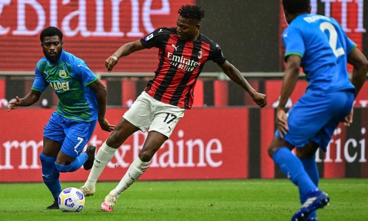 Leao e Mandzukic bocciati: al Milan serve un nuovo centravanti
