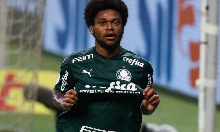 Luiz Adriano, che autogol! Positivo al Covid, viola la quarantena e investe un uomo al supermercato, poi si scusa FOTO