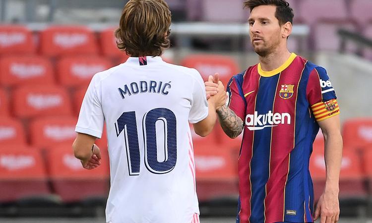 Un Clasico che vale mezza Liga: Real-Barça da capogiro, ma le due nemiche condividono debiti folli e sogni di mercato