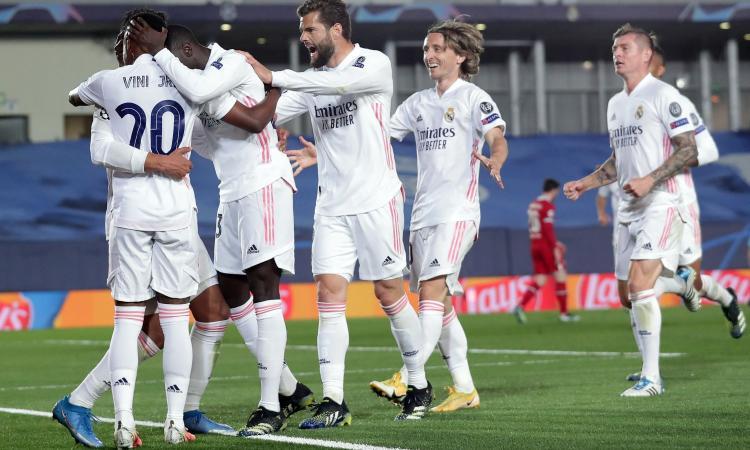 Liverpool, che errori in difesa: ora si fa dura. Un Real letale vola con super Kroos, Vinicius batte il record di Kakà
