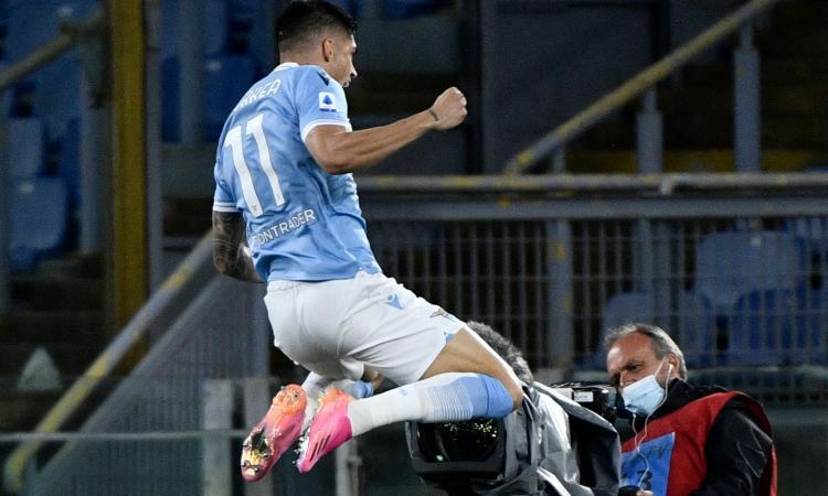 Lazio, il Psg torna alla carica per Correa: ecco l'offerta