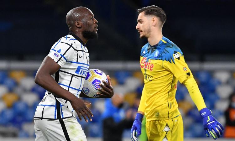 Il Napoli ferma 1-1 l'Inter, ma fallisce l'aggancio alla Juve. Conte primo a +9