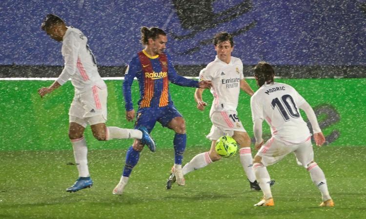 Real Madrid, un terzino si gioca il futuro