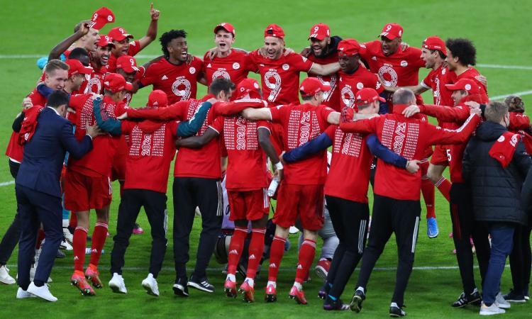 Nove di fila come la Juve, ma il ciclo Bayern resta vincente col metodo. Ora Nagelsmann, il nodo Lewandowski...