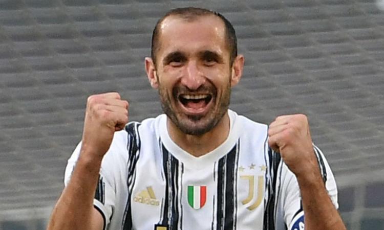 Juve, in vendita la nuova maglia di Chiellini. Assente Perin, ci sono Rugani e Pjaca