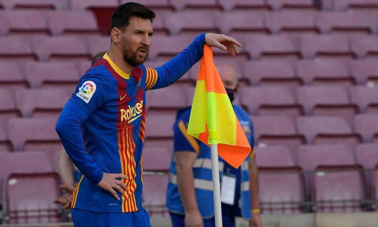 I debiti, la Superlega, il tetto salariale ridotto del 41,7% e la guerra alla Liga: perchè il Barça ha detto addio a Messi