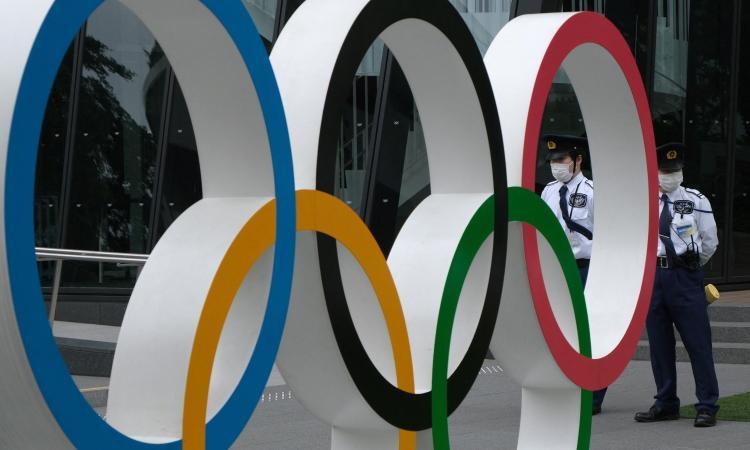 Tokyo 2020: due atleti sudafricani positivi al Covid, sono nel villaggio olimpico. E scattano le quarantene