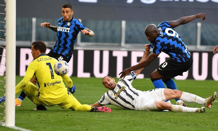 Intermania: Juve da scudetto con Conte, i tuffi di Chiellini e Cuadrado oscurano il record di rigori per il Milan