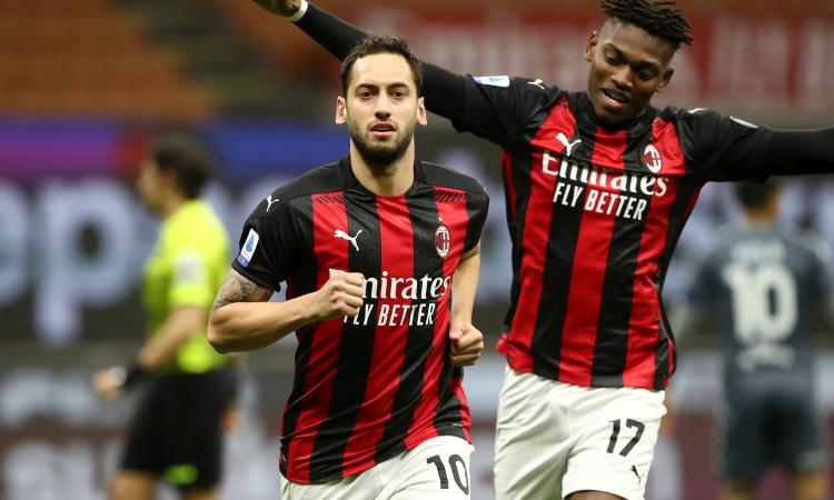 Milan-Benevento, le pagelle di CM: Hernandez risponde alle critiche, Calhanoglu è super. Male Bennacer