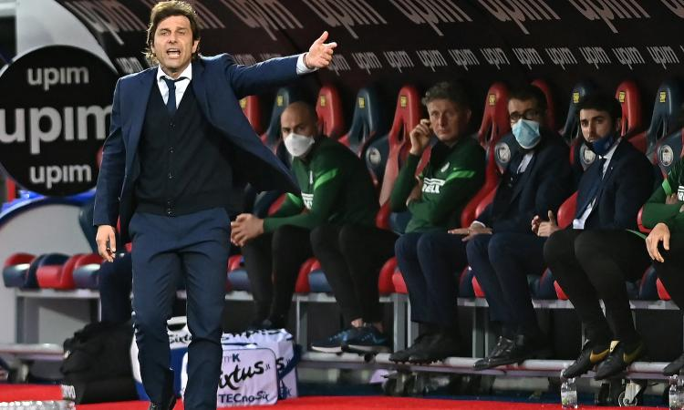 Conte: 'Lo scudetto è un'opera d'arte, con questa Inter non c'è stata partita. Futuro? Ora mi godo il momento...'