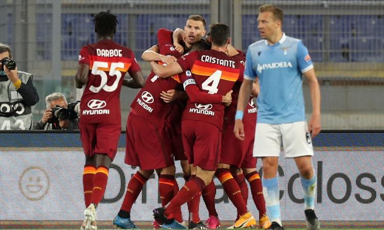 La Roma fa suo 2-0 il derby e pone fine ai sogni Champions della Lazio