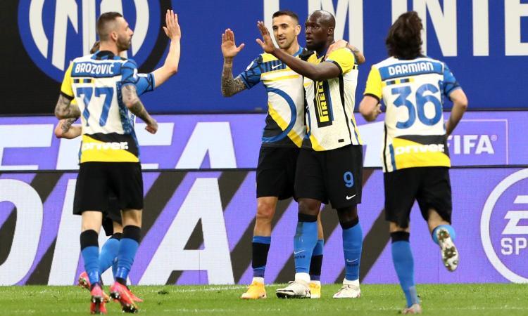 L'Inter non si ferma più e aggiorna record su record. Battuta 3-1 la Roma che resta 7ᵃ. Battibecco Conte-Lautaro
