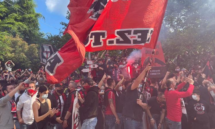 Milan, tornano i tifosi a San Siro: pressione o dodicesimo uomo, oggi è la vera prova del 9