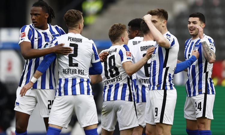 Bundesliga, Piatek segna e mette 'in salvo' l'Hertha Berlino: 3-0 al Friburgo
