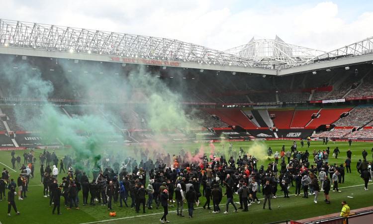 Gara con il Liverpool rinviata, il comunicato del Man United: 'Diritto alla protesta, ma c'è rammarico'