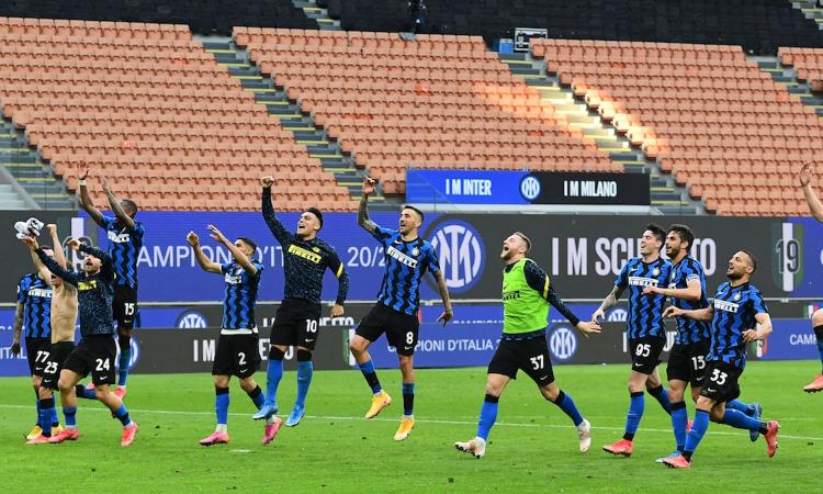 Questa Inter non è mai sazia, proprio come Conte: festeggia lo scudetto con i meritati applausi della Samp