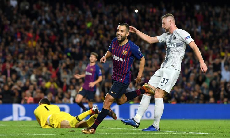Inter, il Barcellona propone Jordi Alba: no a uno scambio con Skriniar o Bastoni