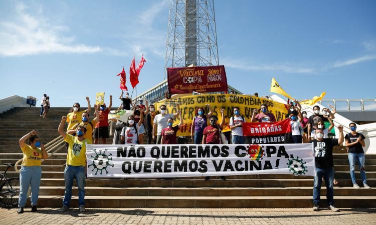 La Coppa America e la variabile Covid: in Sudamerica è devastante, giocare un azzardo. Infuriano le proteste