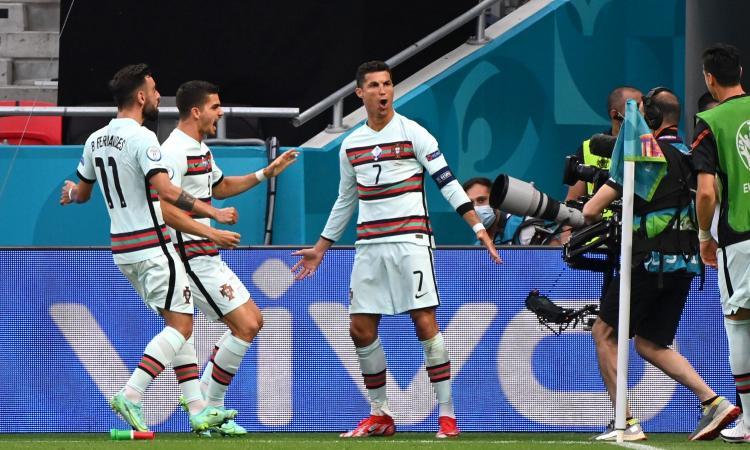 Agnelli e la Juve possono attendere, per un Ronaldo da record è partita la caccia all'Europeo e al Pallone d'oro