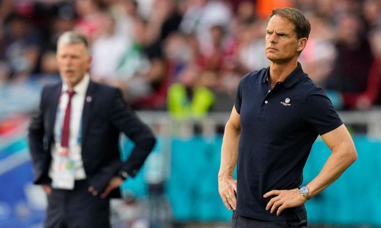 Inter, ricordi de Boer? L'agente: 'Non ha più ambizioni di fare l'allenatore'