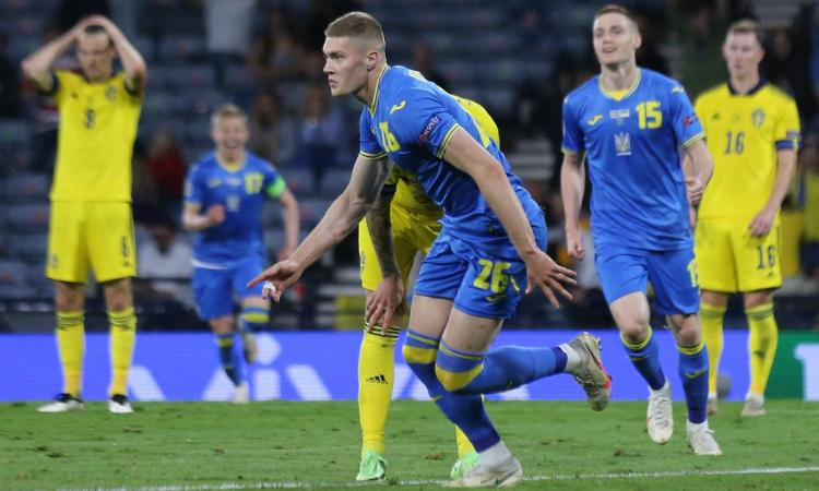 Dovbyk al 121' lancia l'Ucraina di Sheva ai quarti di finale: c'è l'Inghilterra a Roma, Svezia eliminata