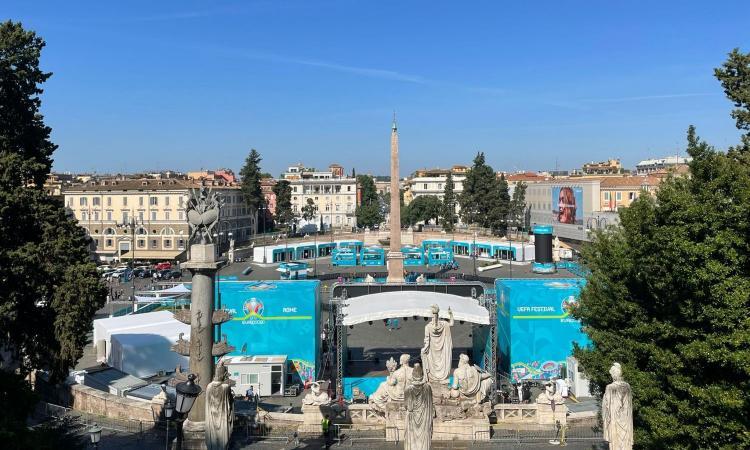 Europei, Piazza del Popolo vestita a festa: inaugurata la fan zone. Raggi: 'Roma città della ripartenza' VIDEO