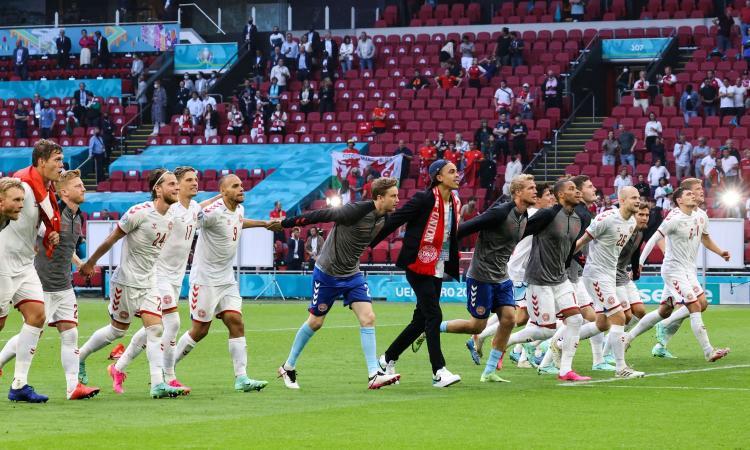 La fantastica Danimarca 'italiana' va ai quarti: disintegrato il Galles, Ramsey è quello della Juve