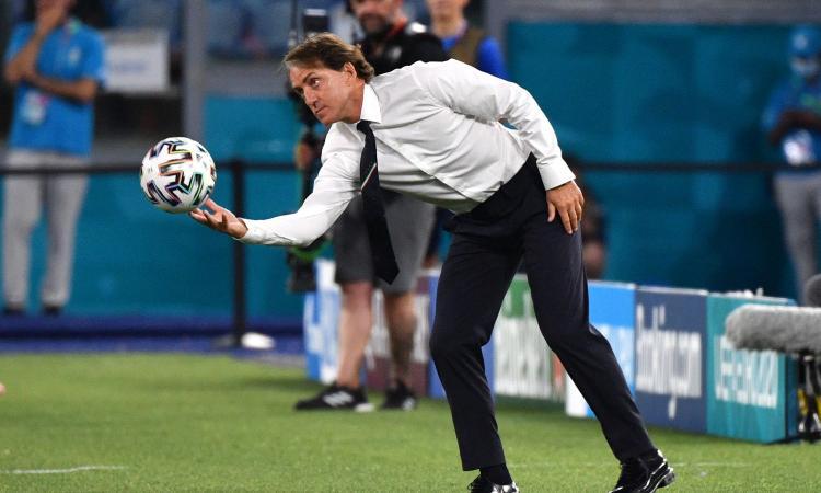 Mancini: 'Verratti giocherà, turnover necessario. Biscotto? Non siamo come il Galles, in campo per vincere'