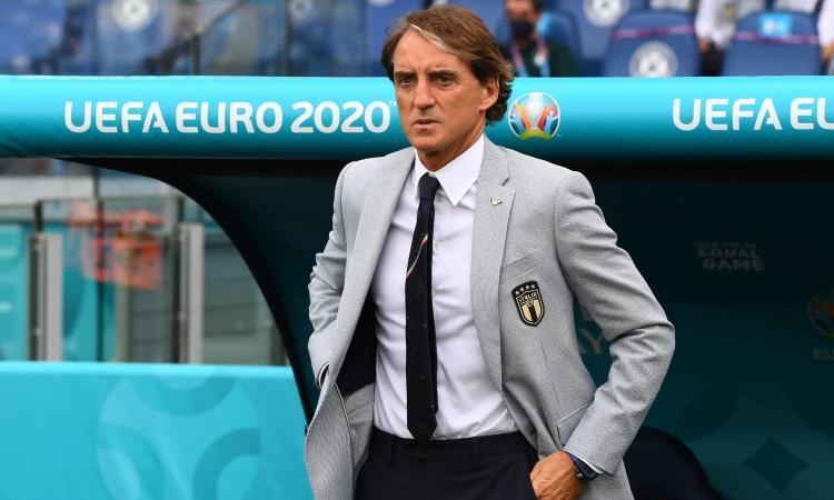 Mancini: 'Inghilterra più forte fisicamente, ma l'Italia sa giocare palla a terra. Non possiamo cambiare ora'