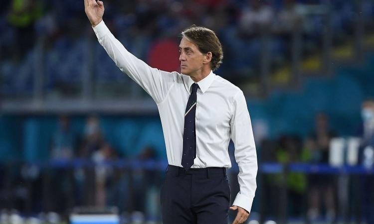 Italia, Mancini: 'Abbiamo saputo soffrire e l'abbiamo vinta. Chiellini? Speriamo che non sia grave' VIDEO