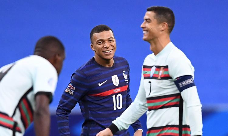 Mbappé spinge per lasciare il PSG e indirizza il futuro di Ronaldo e della Juve: la decisione è alle porte