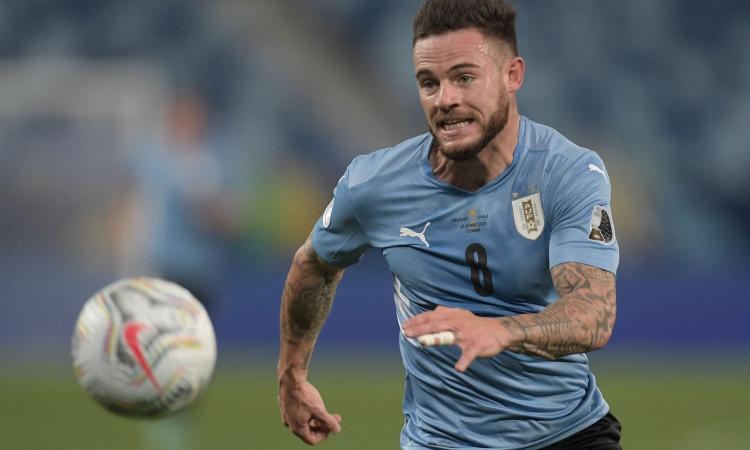 Il Leeds all'assalto di Nandez: pronta la super offerta al Cagliari, l'Inter resta sullo sfondo. Giulini prende Strootman